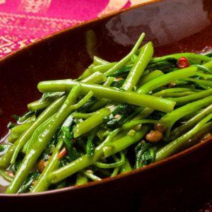 名古屋でのランチ、ディナーなどご飯利用におすすめタイ料理専門店「THAI FOOD・DINING マイペンライ 名駅店」で提供中の「空心菜炒め」の画像