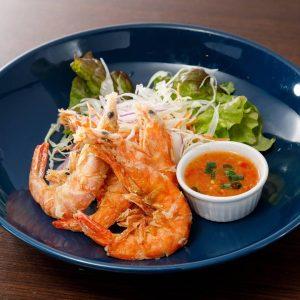 名古屋でのランチ、ディナーなどご飯利用におすすめタイ料理専門店「THAI FOOD・DINING マイペンライ 名駅店」で提供中の「ソフトシェルシュリンプの唐揚げ」の画像