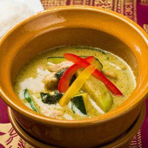 名古屋駅でご飯を食べるなら本格タイ料理店「マイペンライ名駅店」がおすすめ。ランチでもディナーでも食べられるこだわりの「グリーンカレー」の画像