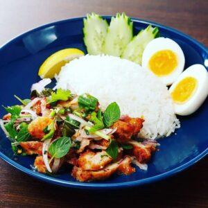名古屋でのランチ、ディナーなどご飯利用におすすめタイ料理専門店「THAI FOOD・DINING マイペンライ 名駅店」で提供中の「ヤムガイトード」の画像