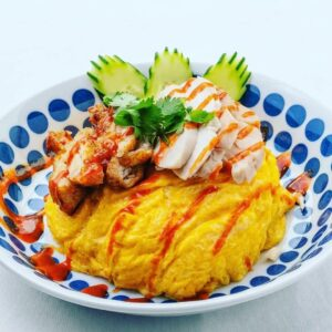 名古屋でのランチ、ディナーなどご飯利用におすすめタイ料理専門店「THAI FOOD・DINING マイペンライ 名駅店」で提供中の「オムカオマンガイMIX」の画像