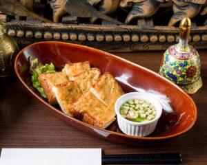 名古屋でのランチ、ディナーなどご飯利用におすすめタイ料理専門店「THAI FOOD・DINING マイペンライ 名駅店」でご提供中の「海老パン」の画像