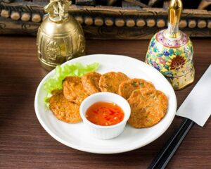 名古屋でのランチ、ディナーなどご飯利用におすすめタイ料理専門店「THAI FOOD・DINING マイペンライ 名駅店」でご提供中の「タイ風さつま揚げ」の画像