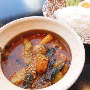 名古屋でのランチ、ディナーなどご飯利用におすすめタイ料理専門店「THAI FOOD・DINING マイペンライ 名駅店」でご提供中の「森のスープカレー(ゲーンパー)」の画像