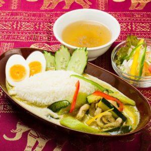 名古屋でのランチ、ディナーなどご飯利用におすすめタイ料理専門店「THAI FOOD・DINING マイペンライ 名駅店」でご提供中の「グリーンカレー」の画像