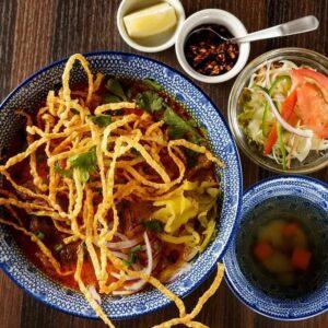 名古屋でのランチ、ディナーなどご飯利用におすすめタイ料理専門店「THAI FOOD・DINING マイペンライ 名駅店」で提供中の「カオソーイ」の画像