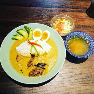 名古屋でのランチ、ディナーなどご飯利用におすすめタイ料理専門店「THAI FOOD・DINING マイペンライ 名駅店」で提供中の「グリーンカレー」の画像